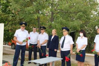 Возложение цветов к могилам основателей Прокуратуры ПМР